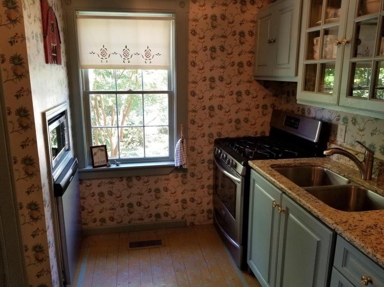 107 w. academy street kitchen 2.jpg