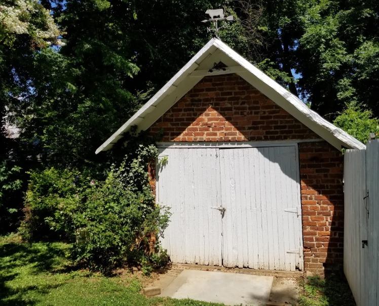 107 w. academy street shed.jpg