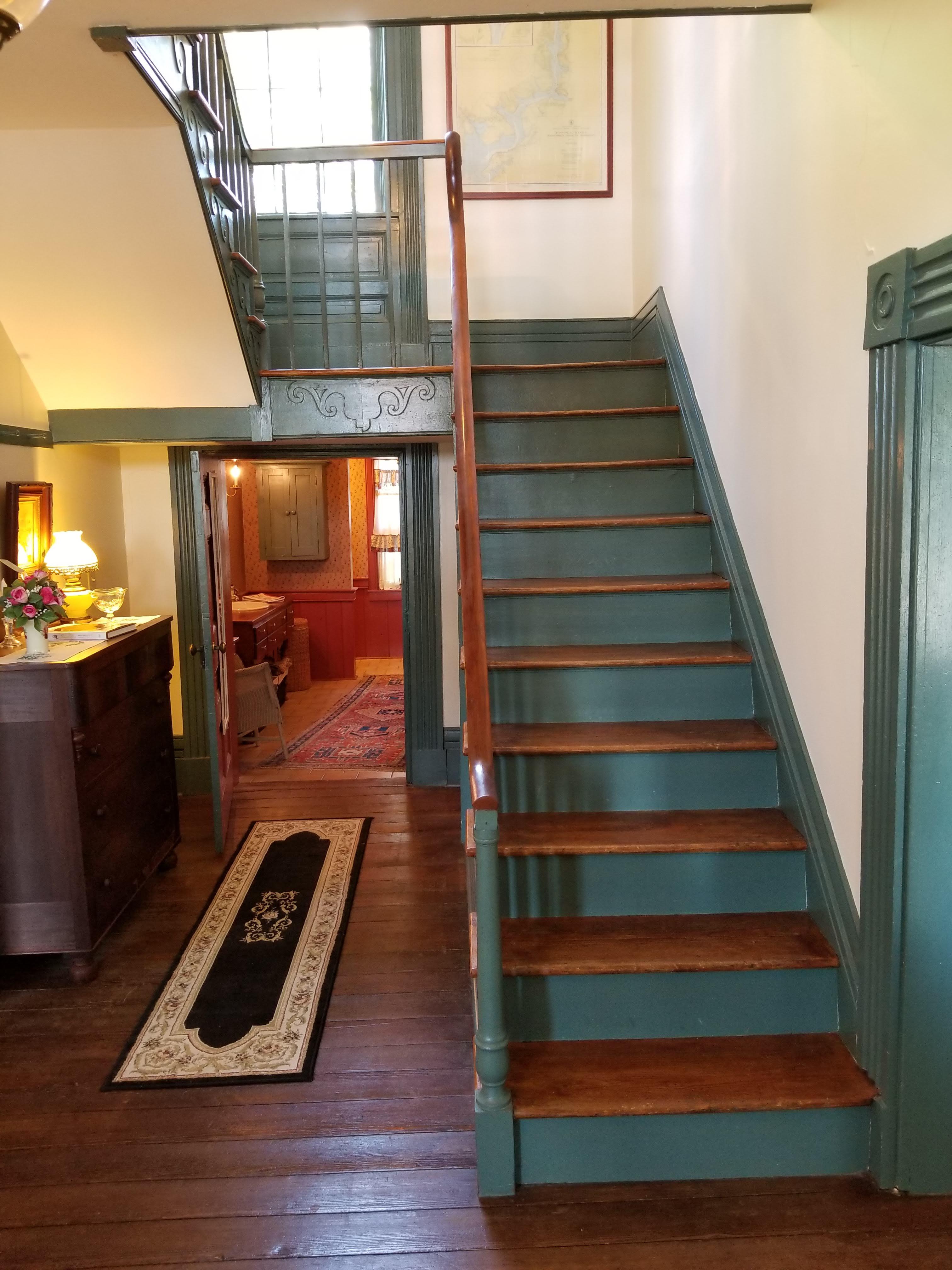107 w. acdemy street hallway.jpg