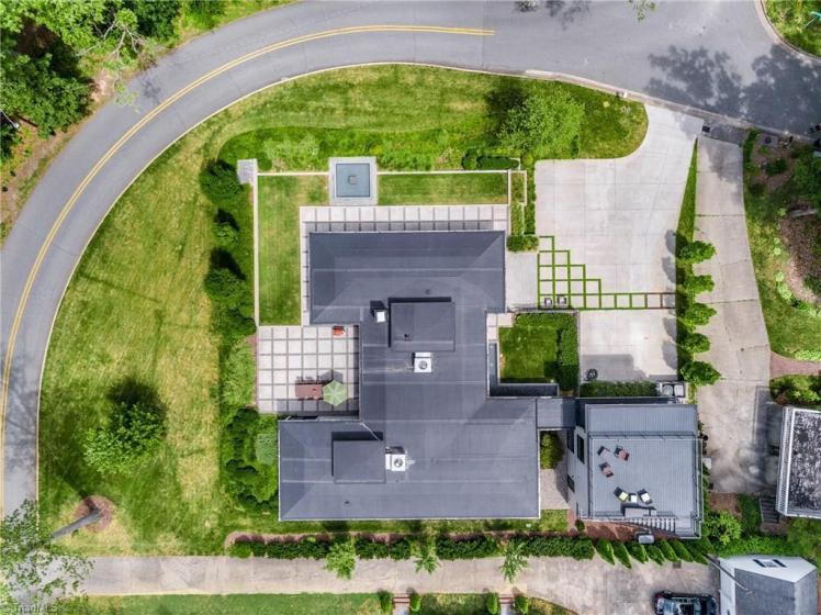 3905 henderson road aerial.jpg