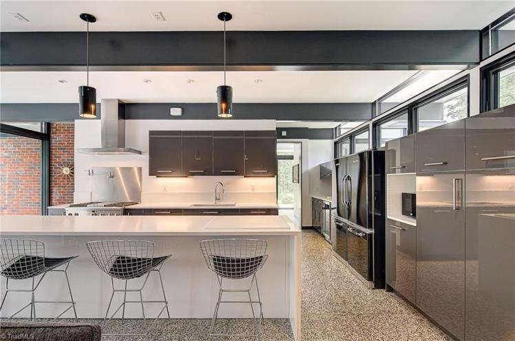 905 henderson road kitchen 3.jpg