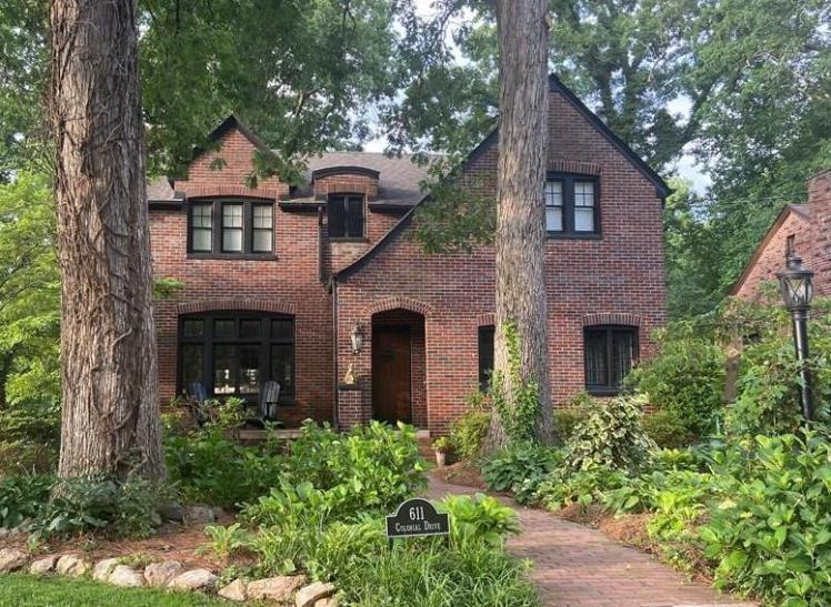 611 colonial drive high point