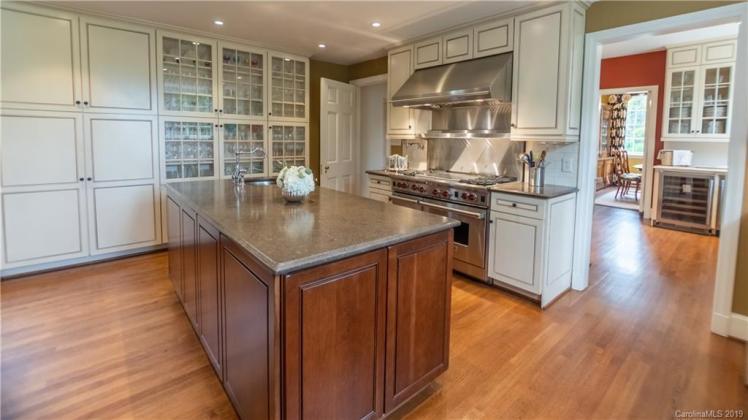boxwood kitchen 2.jpg
